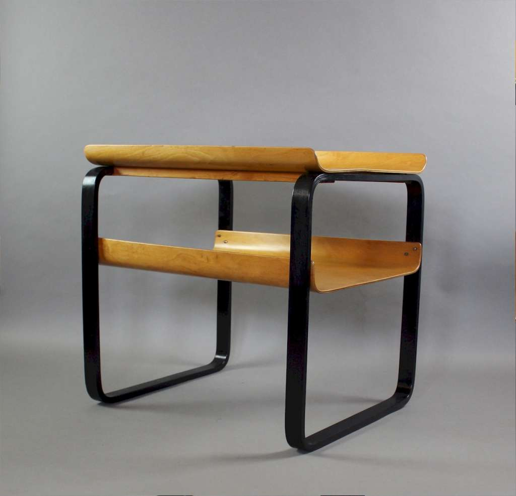 Alvar Aalto two tier Piamio occasional table no 915