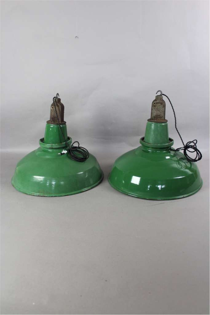 Industrial enamelled factory hanging light