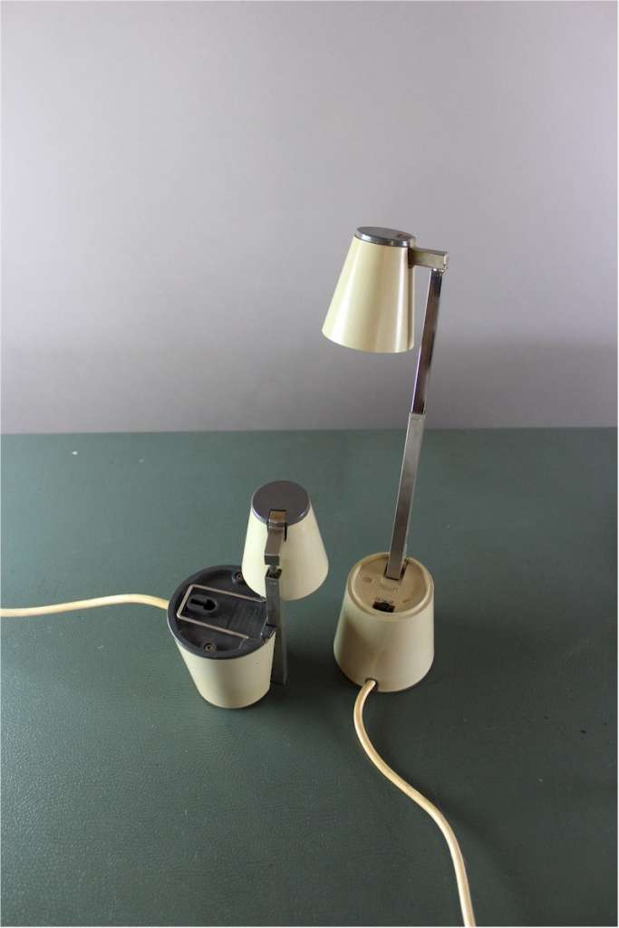 Vintage pair of Lampette collapsible reading lamps in cream finish , made in Germany
