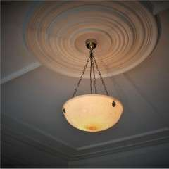 Alabaster hanging bowl light fitting