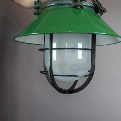 Industrial green enamelled factory light